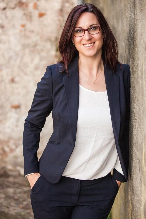 Aimée Floris van Excel Yourself heeft meer dan 15 jaar HRM ervaring in profit en non-profit organisaties